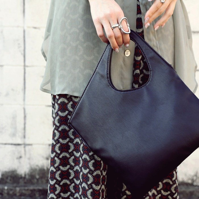 スクエアミニバッグ バッグ レディース 鞄 ミニ スクエア・5月10日0時〜再再販。発送は5/19〜順次。メール便不可 母の日 antiqua