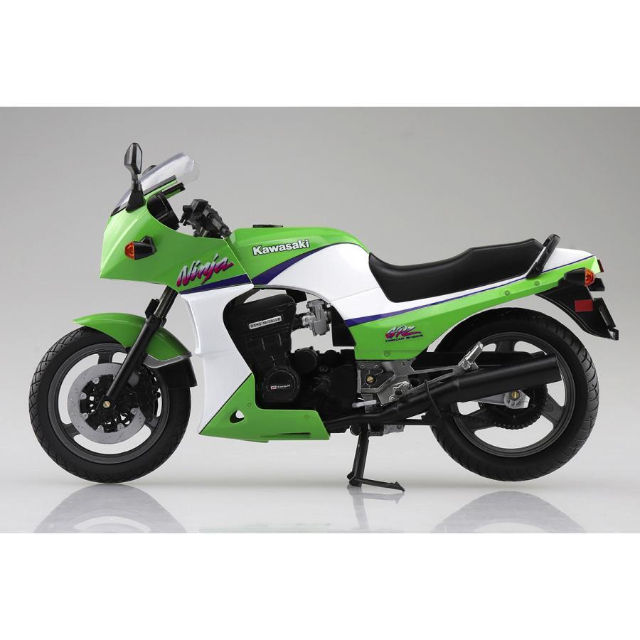 KAWASAKI GPZ900R (ライムグリーン)  1/12 完成品バイク #完成品|aoshima-bk|05