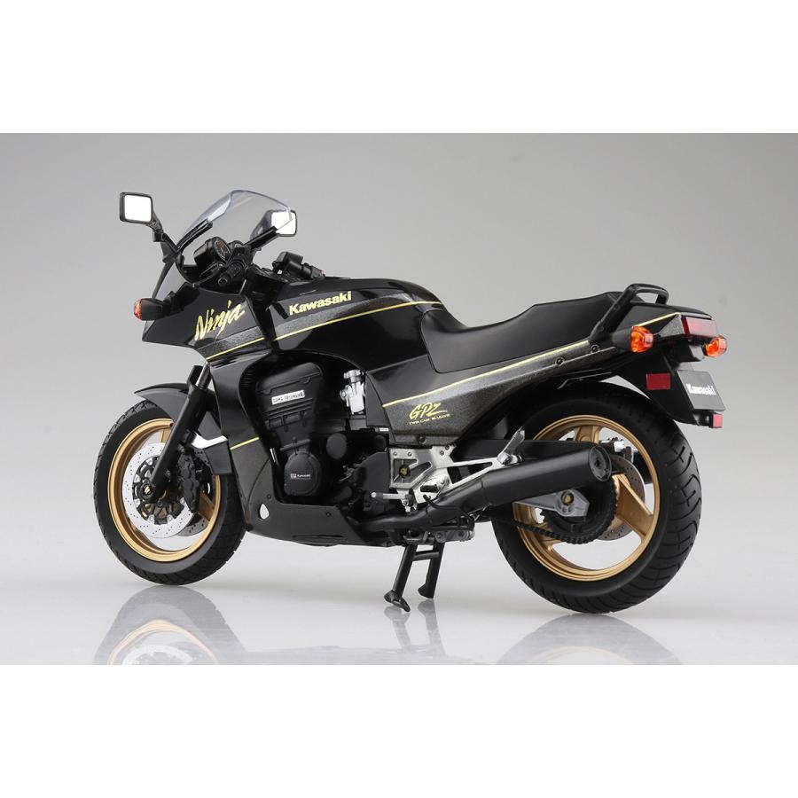 KAWASAKI GPZ900R  (黒/金)  1/12 完成品バイク #完成品 aoshima-bk 02