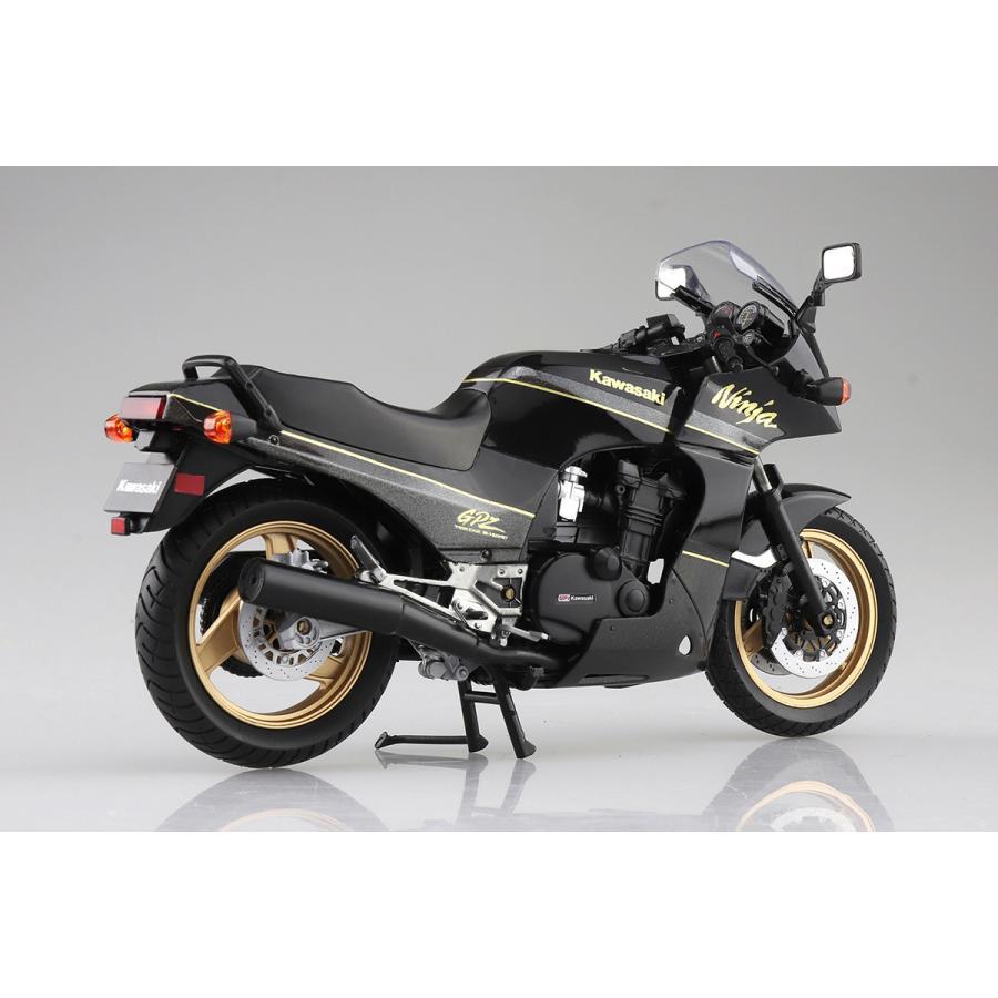 KAWASAKI GPZ900R  (黒/金)  1/12 完成品バイク #完成品 aoshima-bk 04
