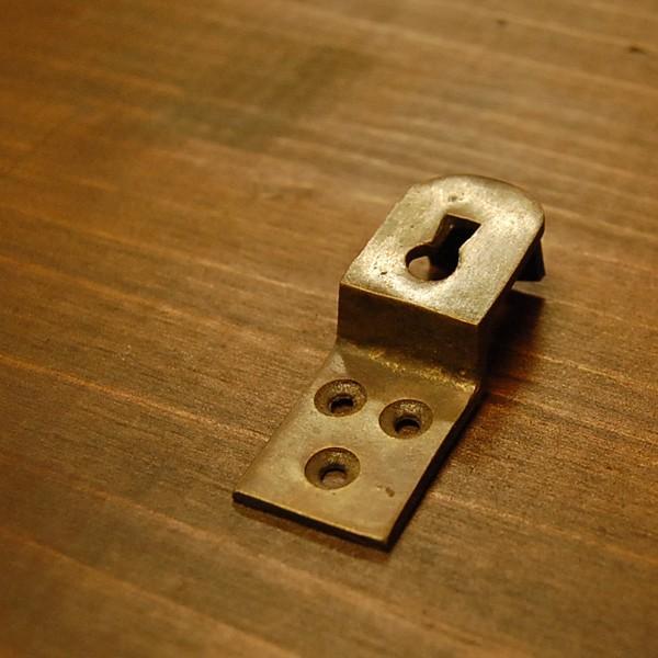 ブラスパーツ405 真鍮吊金具 インドネシア直輸入 インテリアパーツ 古色仕上げ アンティーク仕上げ 家具部品|artcrew|02
