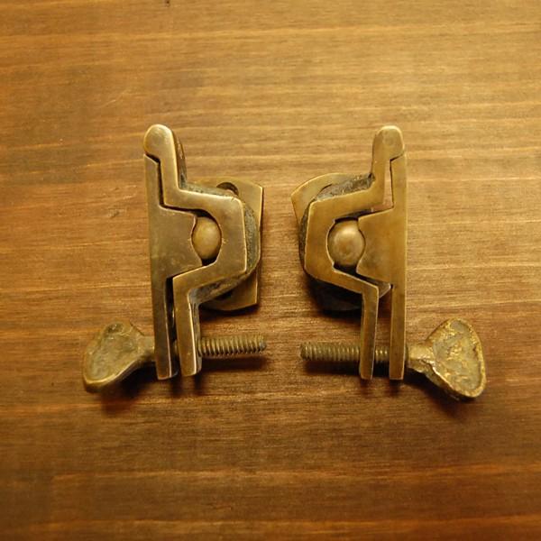 ブラス463 回転止め金具 真鍮金具 インドネシア直輸入 インテリアパーツ 古色仕上げ DIY おしゃれ アンティーク仕上げ artcrew