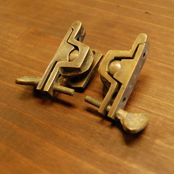 ブラス463 回転止め金具 真鍮金具 インドネシア直輸入 インテリアパーツ 古色仕上げ DIY おしゃれ アンティーク仕上げ artcrew 02
