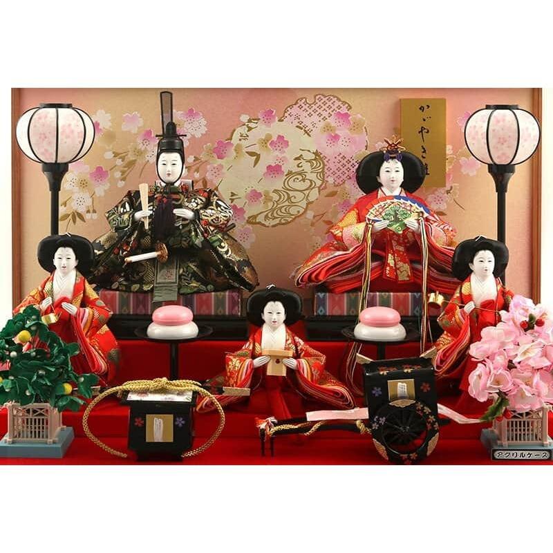 雛人形 コンパクト ひな人形 雛 ケース飾り 五人飾り 藤翁作 美咲 三五芥子五人 金襴仕立 六角アクリルケース オルゴール付 h033-fn-193-525|asutsuku-ningyoya|03