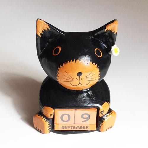 プルメリア をつけた アニマル カレンダー〈 三毛猫 黒猫 〉 木彫り オブジェ アジアン雑貨 インドネシア バリネコ ねこ ネコ CAT|atelier-ayumi|03