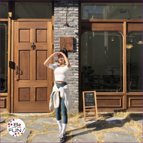ヨガウェア おしゃれ トップス カップ付き ブラトップ ヨガ ピラティス フィットネス バレエ 5分袖 かわいい 送料無料|befun|21