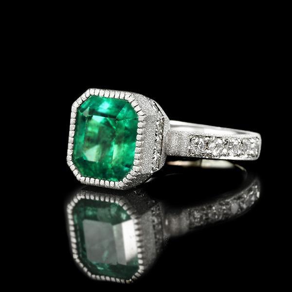 限定1本 PT900 4.55ct コロンビア産エメラルド ダイヤモンド リング #12 サイズはご相談ください|benebene
