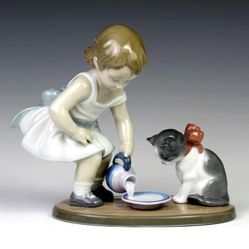 リヤドロ(Lladro リアドロ 陶器人形 置物) 少女 召し上がれ#ldr-8498