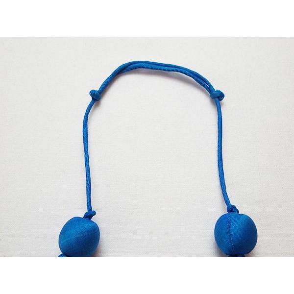 ハンドメイドのシルクアクセサリー ビーズネックレス5連 単色 青 cambodia 03