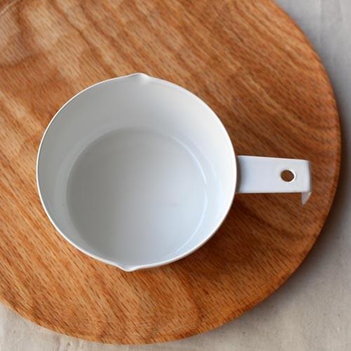 計量カップ ホーロー 白  琺瑯 無地 目盛りなし 日本製 おしゃれ かわいい cayest 04