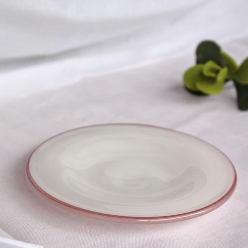 ガラス 白 小皿 ピンクフチ 15cm tonari 吹きガラス 手作り ガラス食器 かわいい ラブリー|cayest|02