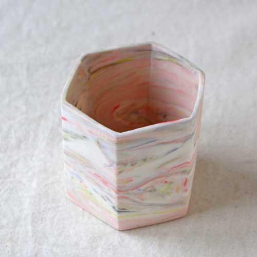 花瓶 花器 六角カップ ピンク 陶器 信楽焼 ヘキサゴン マーブル おしゃれ フラワーベース|cayest
