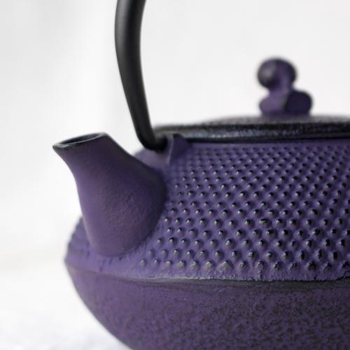 南部鉄器 急須 平丸アラレ0.3L 紫 小さめ かわいい おしゃれ 内側ホーロー加工 日本製|cayest|08