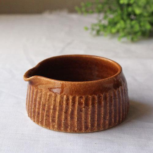 クリーマー 片口 小鉢 キャラメル ミルクピッチャー 陶器 河原崎優子 ブラウン シノギ かわいい cayest