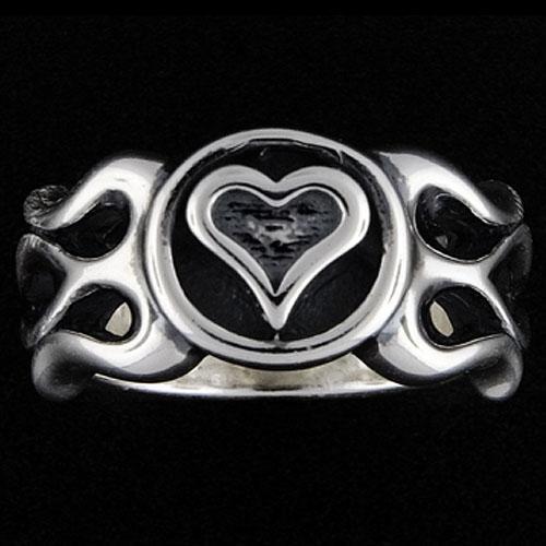 品多く TRAVIS WALKER/DOUBLE WALKER TRAVIS/DOUBLE Heart CROSS(トラヴィスワーカー/ダブルクロス):Flamed Heart Ring(フレイムドハートリング), スポーツ フェイスマスク ショップ:1edaec3a --- airmodconsu.dominiotemporario.com