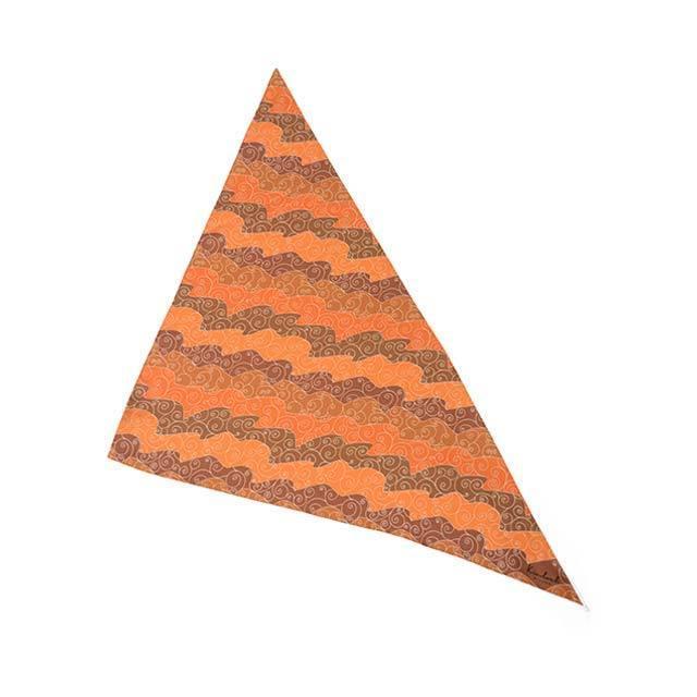 Kinloch【キンロック】プリントトライアングルスカーフ White waves 0504TR70TWC シルク オレンジ ホワイト|cinqueunaltro|02