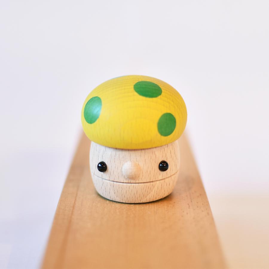 こまむぐ公式 どんぐりきのこ 木のおもちゃ 国産 知育 木育 ベビートイ  comomg