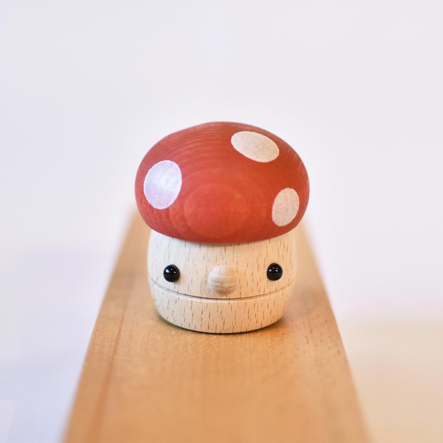 こまむぐ公式 どんぐりきのこ 木のおもちゃ 国産 知育 木育 ベビートイ  comomg 02