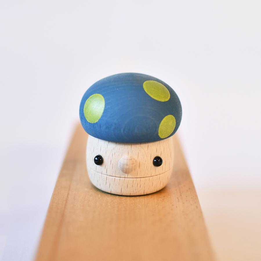 こまむぐ公式 どんぐりきのこ 木のおもちゃ 国産 知育 木育 ベビートイ  comomg 03