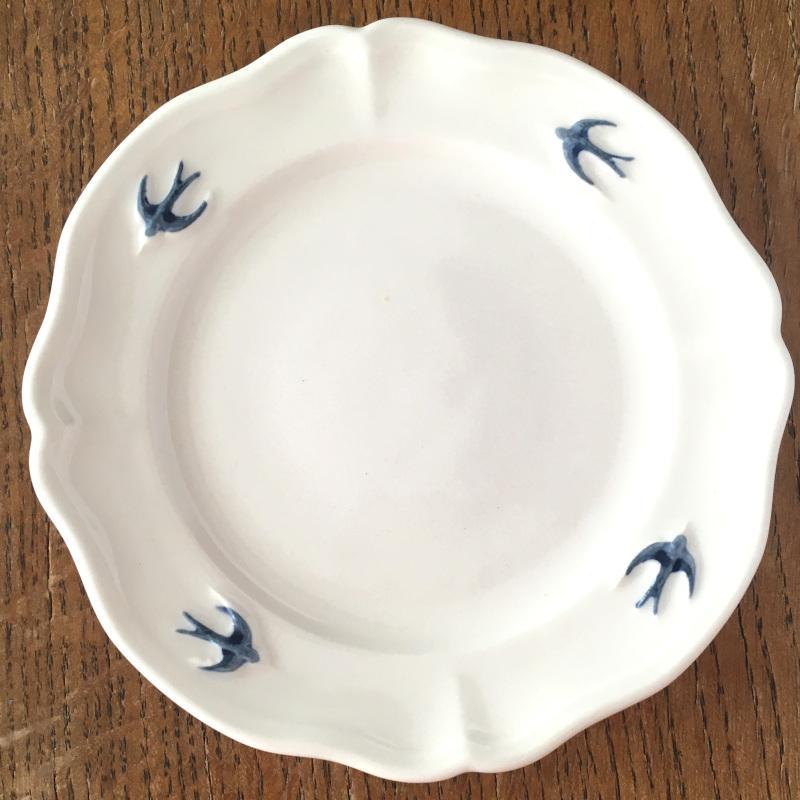 サイドプレート ラウンド S ツバメ スタジオM' 食器 皿 スタジオエム アーリーバード 小鳥 取り皿 ケーキプレート 日本製 陶器|conceptstore