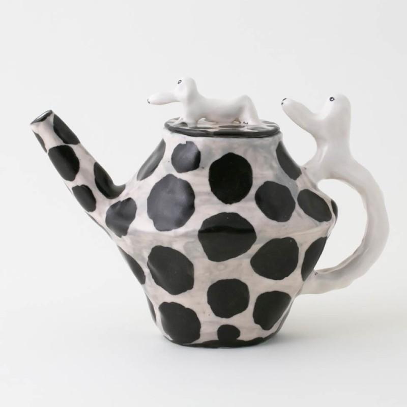 エレオノール・ボストロム コーヒーポット ティーポット 犬 ドット/ホワイト モノトーン 陶器製 北欧雑貨 Eleonor Bostrom|conceptstore