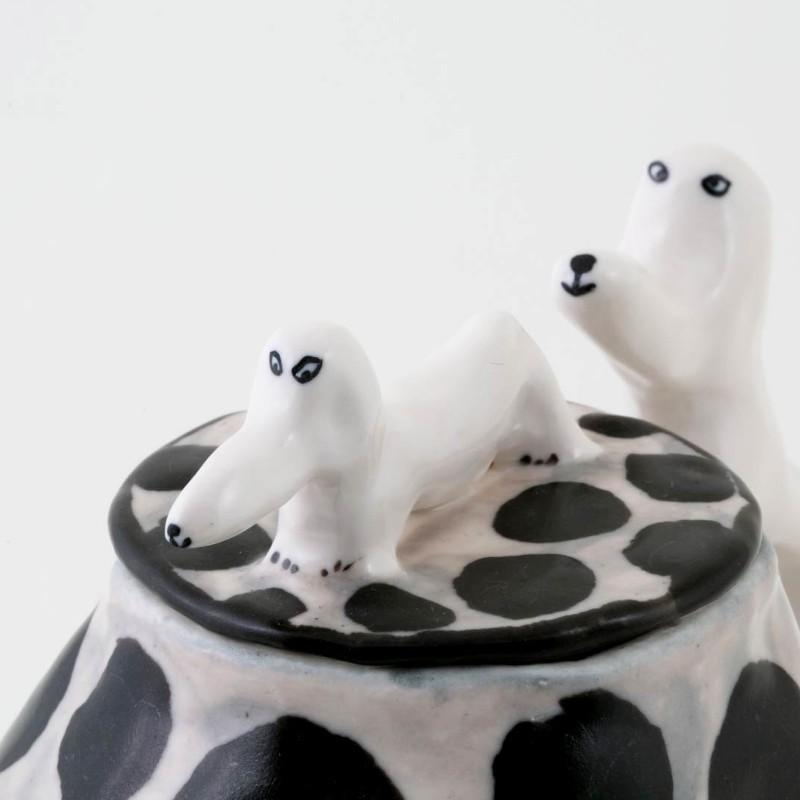 エレオノール・ボストロム コーヒーポット ティーポット 犬 ドット/ホワイト モノトーン 陶器製 北欧雑貨 Eleonor Bostrom|conceptstore|03
