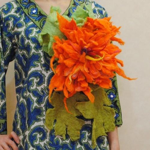 送料無料★オリジナルハンドメイド【mesadu】羊毛フェルト◆オレンジの大きなお花のコサージュ|cool-klothes|03