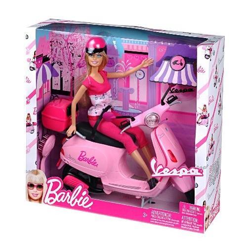 バービーBarbie Doll on ピンク Vespa Scooter with Helmet 輸入品