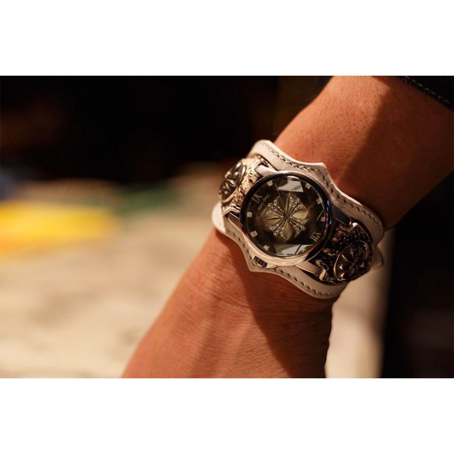 腕時計 ブレスウォッチ パイソンレザーベルト Deep Zone ラウンドケース ジルコニア ブラックフェイス ホワイトベルト リリィコンチョ 専用ケース付|cowbell|03
