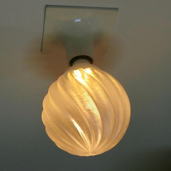 3Dデザイン電球 種類 IIng 40W相当 サイズ10cm おしゃれに きらめき輝く 電球色 昼白色 裸電球 口金E26 大きい 大形 大型ボール球型LED電球 dasyn 09