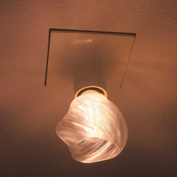 透明な LED電球カバー シェードのみ 捻り模様の傘 直径10cm 裸電球にかぶせる おしゃれな照明カバー きらめくランプシェード|dasyn|03