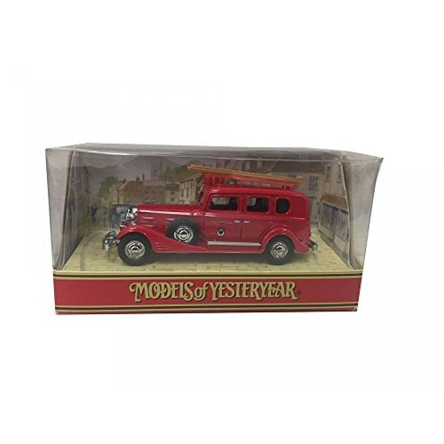 ミニカー・モデルカー Matchbox Models of Yesteryear Y61 1933 Cadillac Fire Engine Diecast Car Replica 輸入品