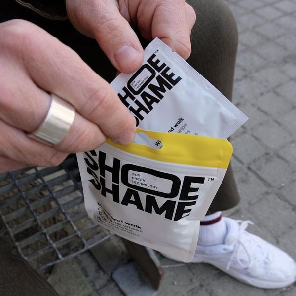 スニーカークリーナー シューシェイム ワイプ&ウォーク クリーニングワイプ シューケア用品 シュークリーナー 靴磨き 10枚入 SHOE SHAME Wipe and walk digstore 03
