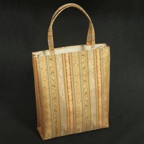 金襴バッグ 和洋兼用 礼装及びカジュアルスタイルのサブバッグ 縦型 手提げタイプ 有職柄 日本製