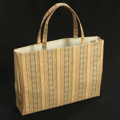 金襴バッグ 和洋兼用 礼装及びカジュアルスタイルのサブバッグ 横型 手提げタイプ 唐花有職紋柄 日本製