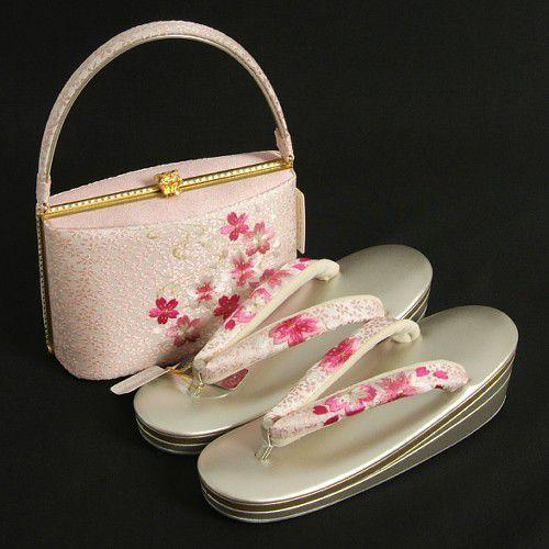 草履バックセット 振袖 訪問着 岩佐謹製 ピンク パールシルバー 桜刺繍 滑り止め付 三枚芯 フリーサイズ 日本製