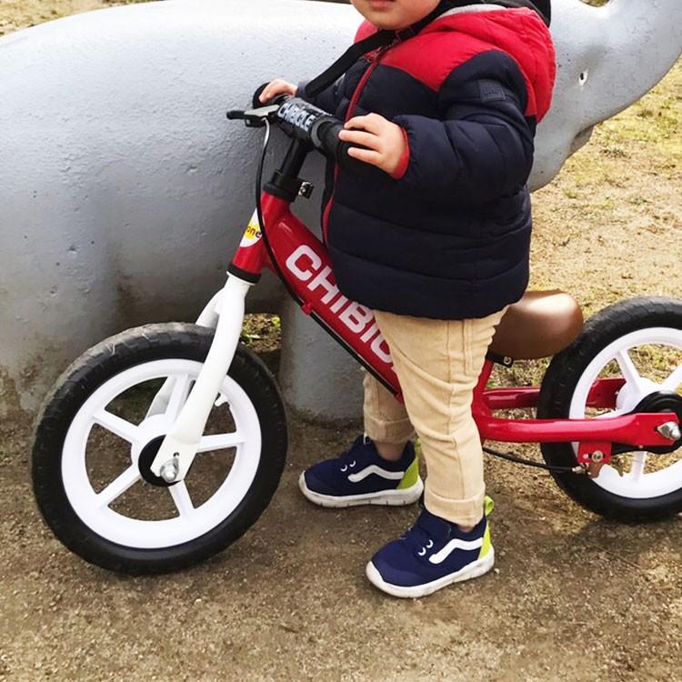 子供用ペダル無し自転車 12インチ キッズバイク 幼児用自転車 低床フレーム 12インチ CHIBICLE チビクル スタンド付き TOPONE トレーニングバイク  押し車 e-topone 04