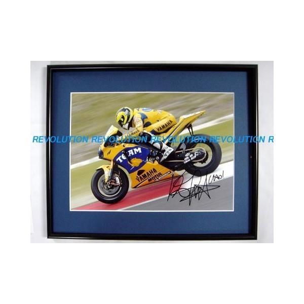 2006 キャメル·ヤマハ YZR-M1 バレンティーノ·ロッシ 直筆サイン入り写真(額装品)