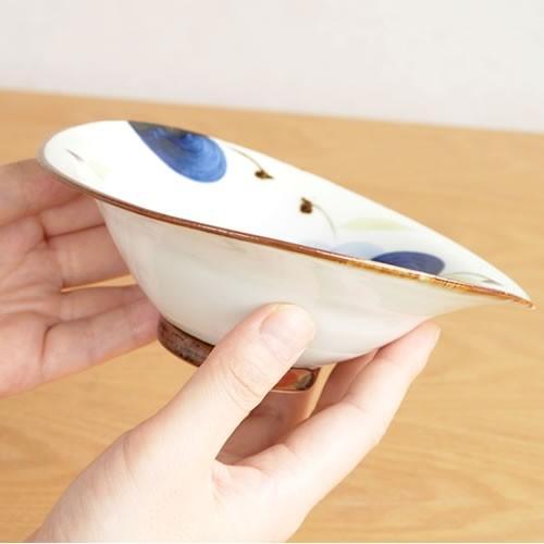 波佐見焼 HASAMI 翔芳窯 藍の器 変形中鉢 16cm 鉢 取鉢 取皿 深皿 ボウル 陶磁器 職人 手書き 軽量 軽い 薄い 日本製|favoritestyle|04