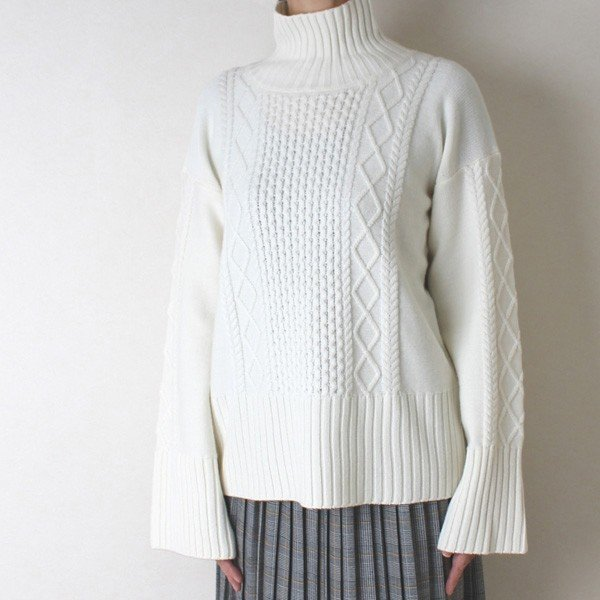 Apaiser lame(アぺゼラム)アラン編み柄ベルスリーブタートルセーター|femme|02
