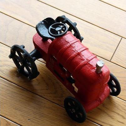 置物 置き物 車 インテリアオブジェ レトロ アイアン雑貨 赤いトラクターのオブジェ gigiliving