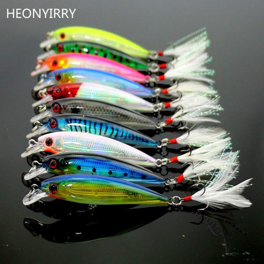 9センチ8グラム釣りルアーミノーハード餌低音高音フック日本の魚に取り組むルアー餌クランクーフェザーテール