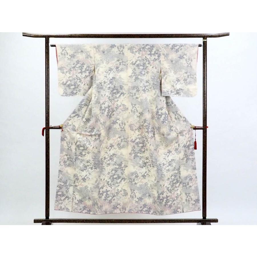 リサイクル着物 小紋 正絹縮緬地花柄袷小紋着物