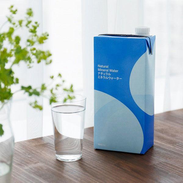 【水・ミネラルウォーター】【紙パック】 ナチュラルミネラルウォーター 1L 1箱(6本入)