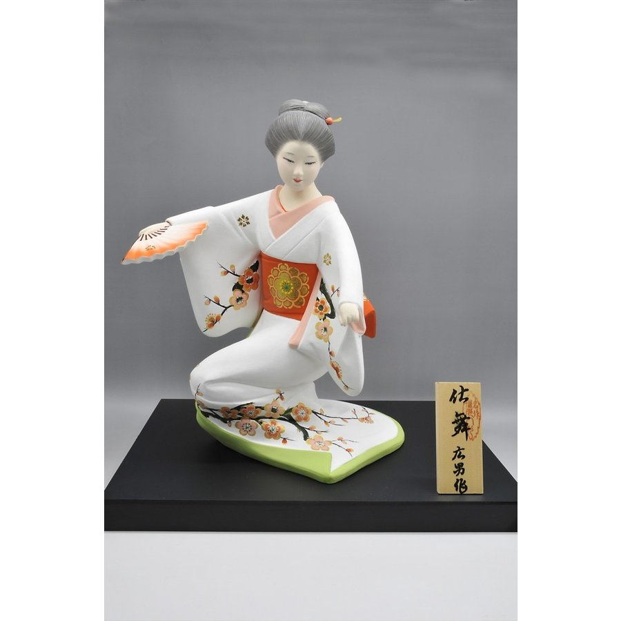 博多人形 【仕舞】 博多美人の舞姿は、目出度さを表現 hakata-honpo