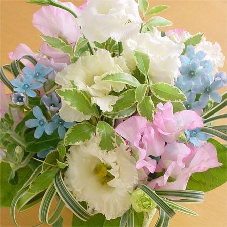 『スタンダード』写真たて付き 季節のお花のお供えアレンジメント  hana-mizuki 03