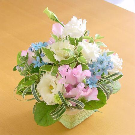 『スタンダード』写真たて付き 季節のお花のお供えアレンジメント  hana-mizuki 05