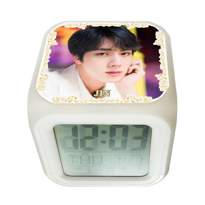 防弾少年団 BTS トレンド JIN ジン 写真いっぱい 超激安特価 光デジタル時計 002 アラーム カラーチェンジ