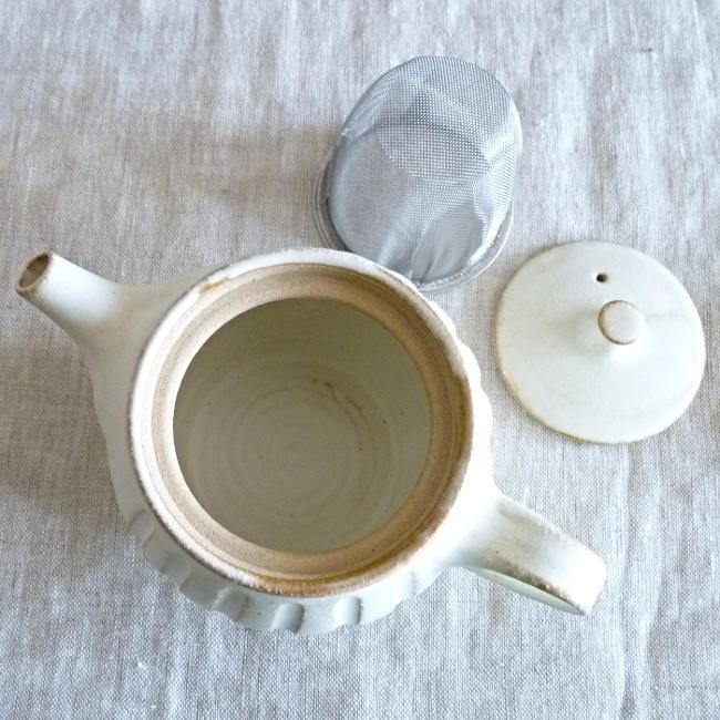 益子焼 わかさま陶芸 kinari キナリ まん丸ティーポット 小|hanamomimo-zakkaten|04
