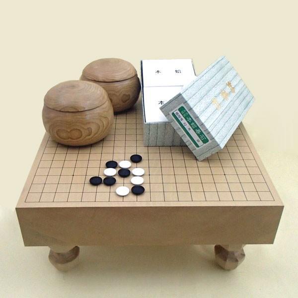 囲碁セット 北海道産本桂3寸足付碁盤松と蛤碁石徳用雪32号(約8.8mm厚)·手作木製栗大碁笥